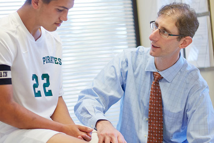 sports medicine orthopedics - Orthopedic Doctor Job Description